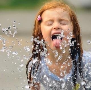 大温限水令提前两周 又要被限制浇灌和洗车了